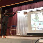 エリック・ワイナイナが練馬区の小学校で講演。ケニアの環境などを伝えました。