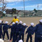 上越市の小学校でエリックが教室と講演。ケニア時代の話に子どもたちは大盛り上がり